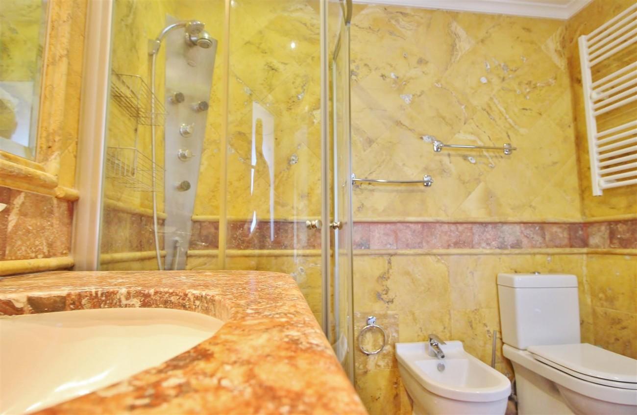 Luxury 2 Beds apartment for sale Puerto Banus Marbella Spain (9) (Large)