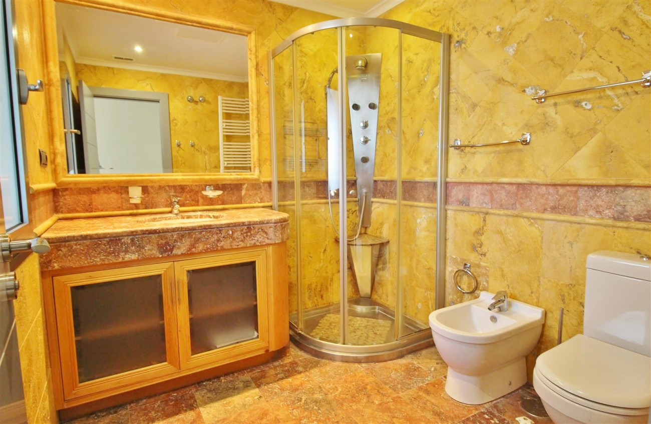 Luxury 2 Beds apartment for sale Puerto Banus Marbella Spain (10) (Large)