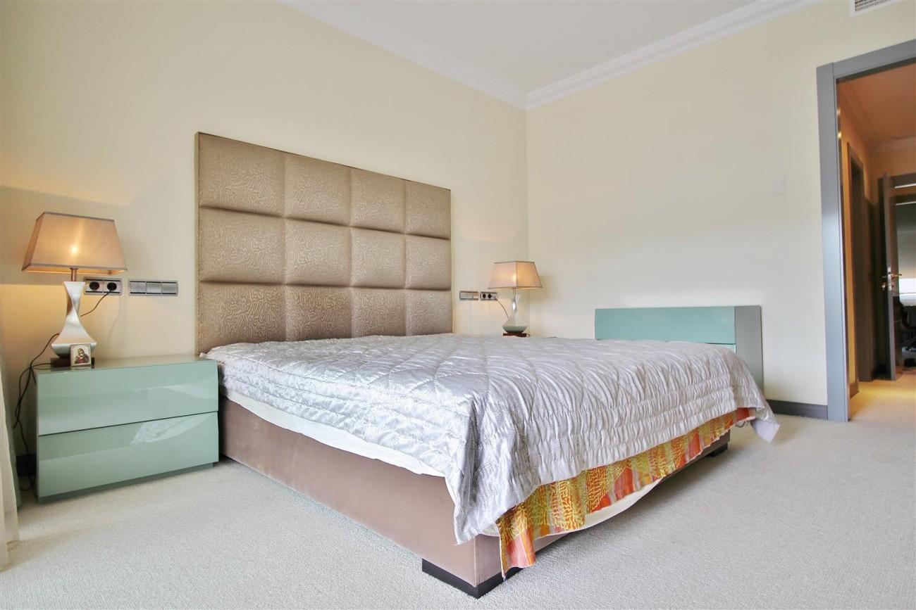 Luxury 2 Beds apartment for sale Puerto Banus Marbella Spain (11) (Large)