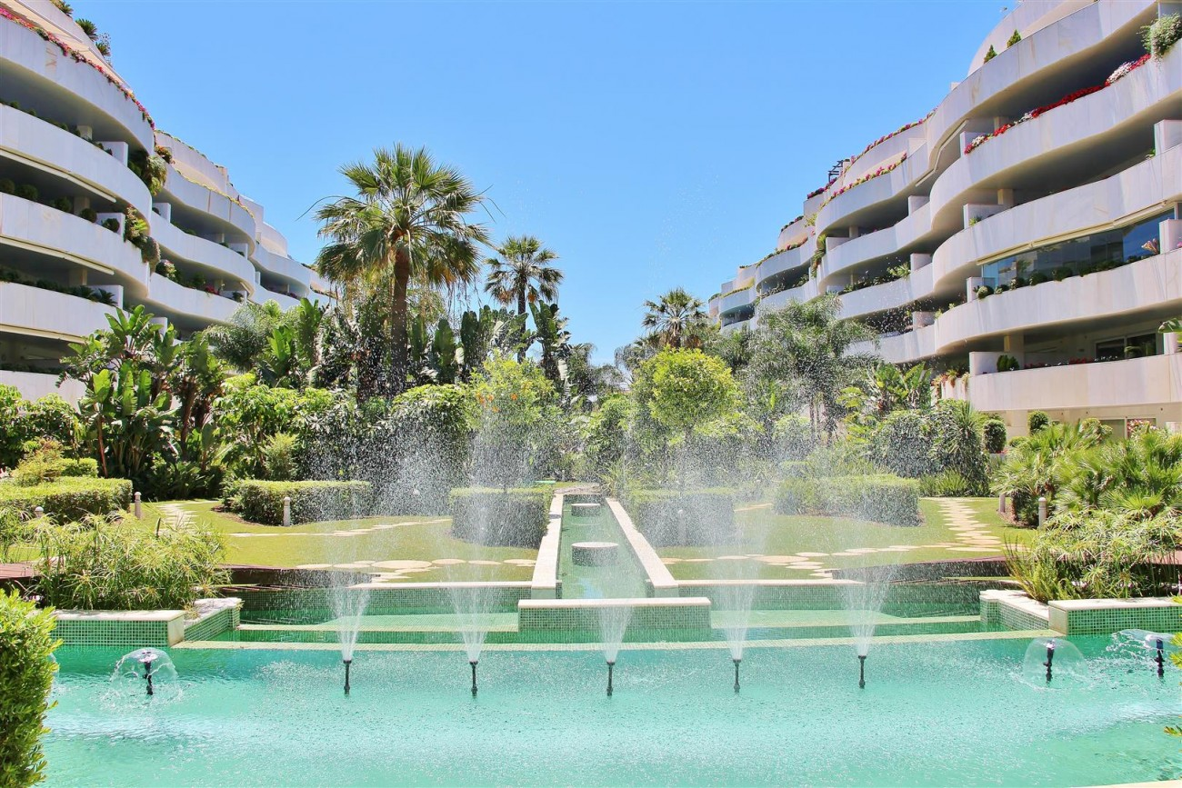 A5597 Spacious apartment in Puerto Banus 4 (Large)