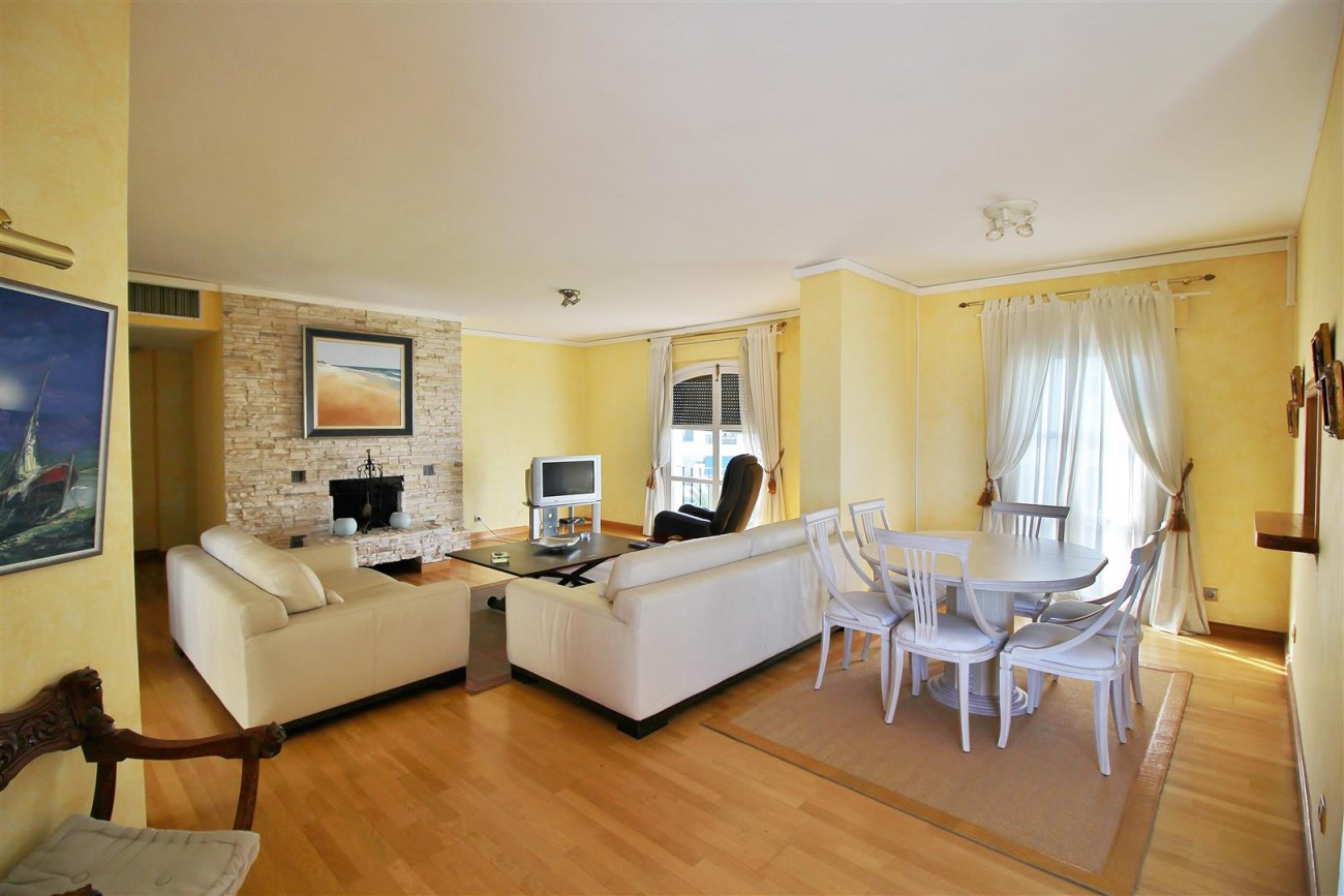 Penthouse for sale Puerto Banus Marbella Spain (8) (Large)