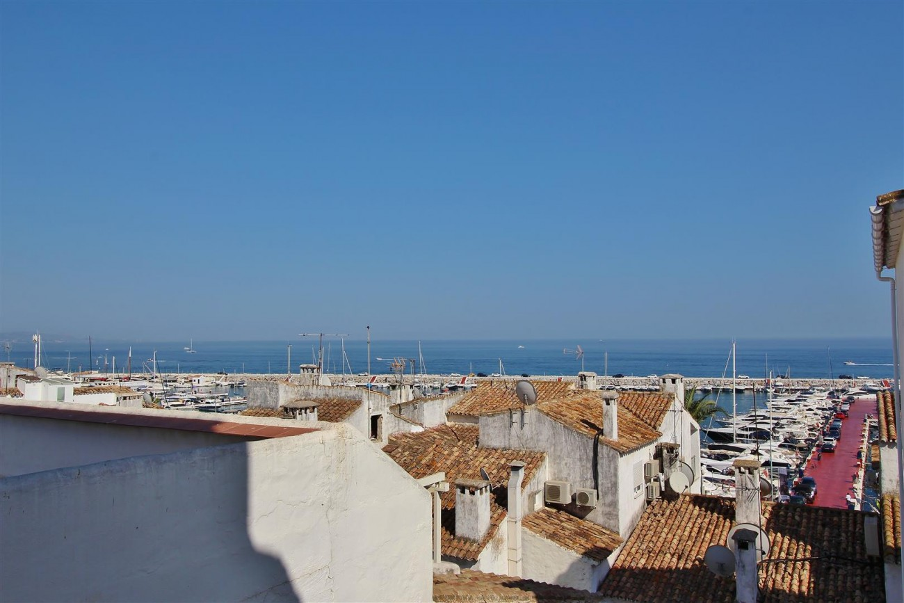 Penthouse for sale Puerto Banus Marbella Spain (37) (Large)