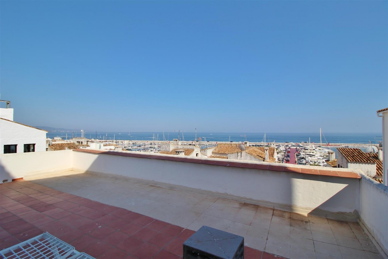 Penthouse for sale Puerto Banus Marbella Spain (39) (Large)