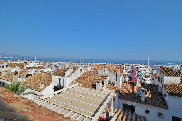 Penthouse for Sale - 710.000€ - Puerto Banús, Costa del Sol - Ref: 5774