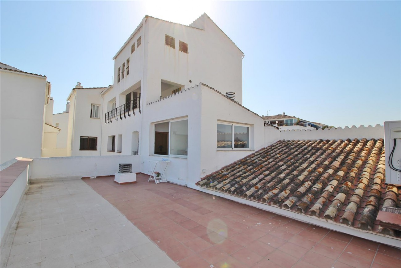 Penthouse for sale Puerto Banus Marbella Spain (47) (Large)