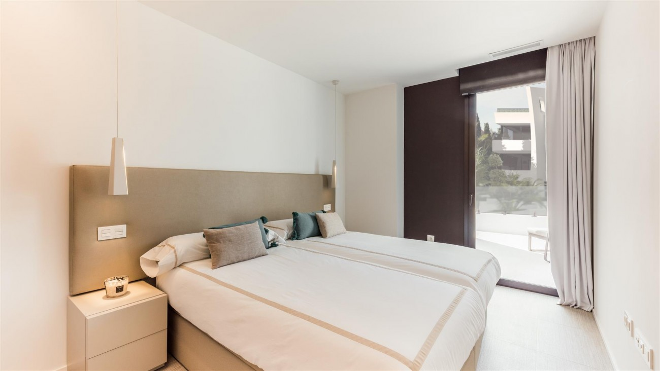 Beachside New Apartments Marbella Spain (4) (Large)