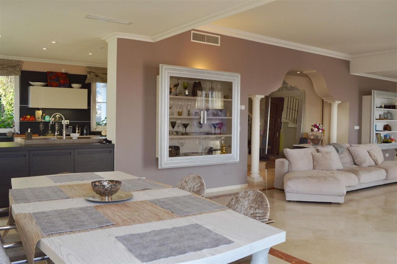 Elegant villa for sale close to Puerto Banus (2) (Large)