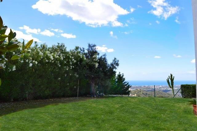 Elegant villa for sale close to Puerto Banus (6) (Large)
