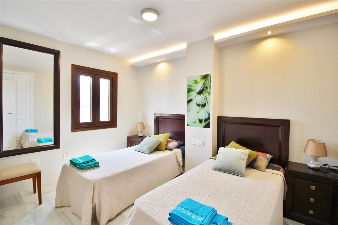 Exceptional apartament for holiday rental in Puerto banus Marbella Spain (19) (Large)