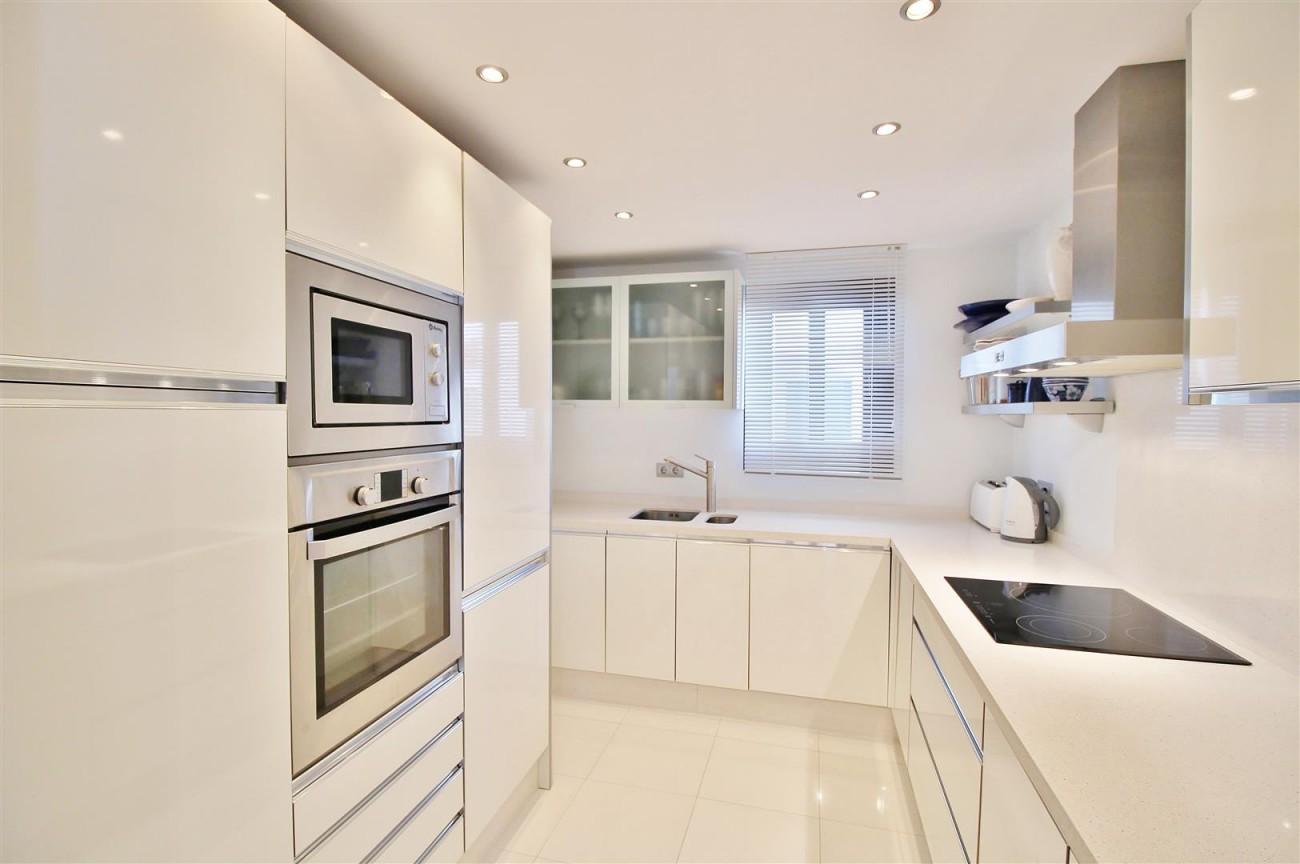 Luxury Modern Style Apartment for sale Puerto Banus Marbella Spain (10) (Large)