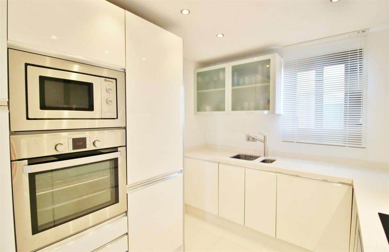Luxury Modern Style Apartment for sale Puerto Banus Marbella Spain (12) (Large)