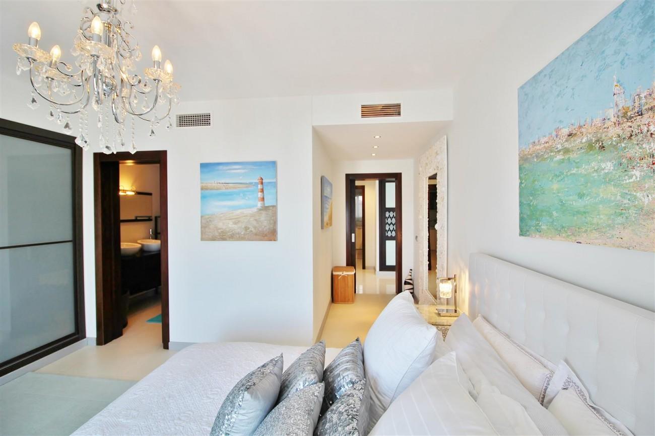 Luxury Modern Style Apartment for sale Puerto Banus Marbella Spain (29) (Large)