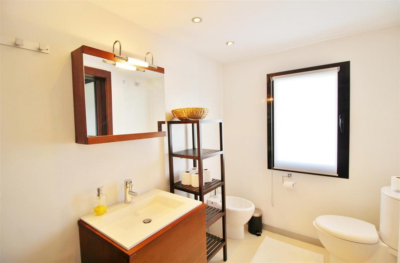 Luxury Modern Style Apartment for sale Puerto Banus Marbella Spain (35) (Large)