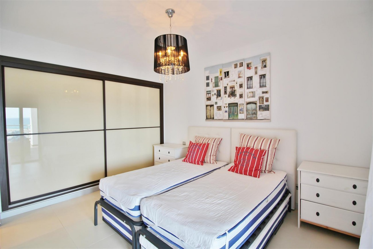 Luxury Modern Style Apartment for sale Puerto Banus Marbella Spain (38) (Large)