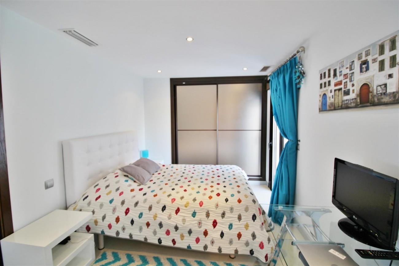 Luxury Modern Style Apartment for sale Puerto Banus Marbella Spain (42) (Large)