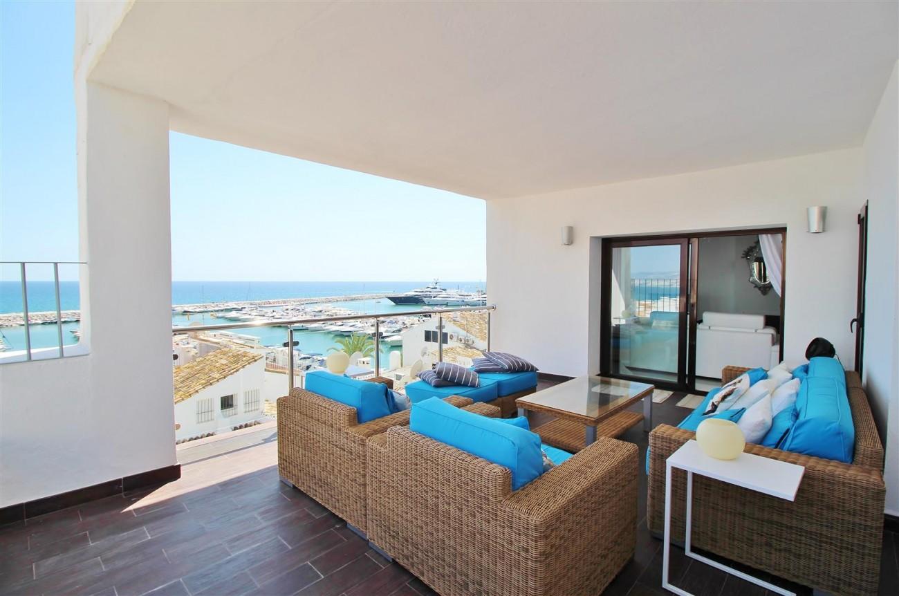 Luxury Modern Style Apartment for sale Puerto Banus Marbella Spain (49) (Large)
