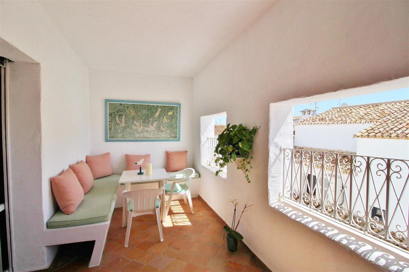 Charming apartment for sale Puerto Banus Marbella Spain (6) (Large)