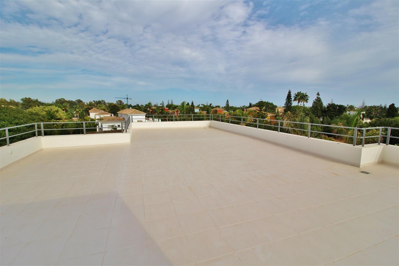 Contemporary Beachside Villa for sale Marbella Spain  (1) (Large)