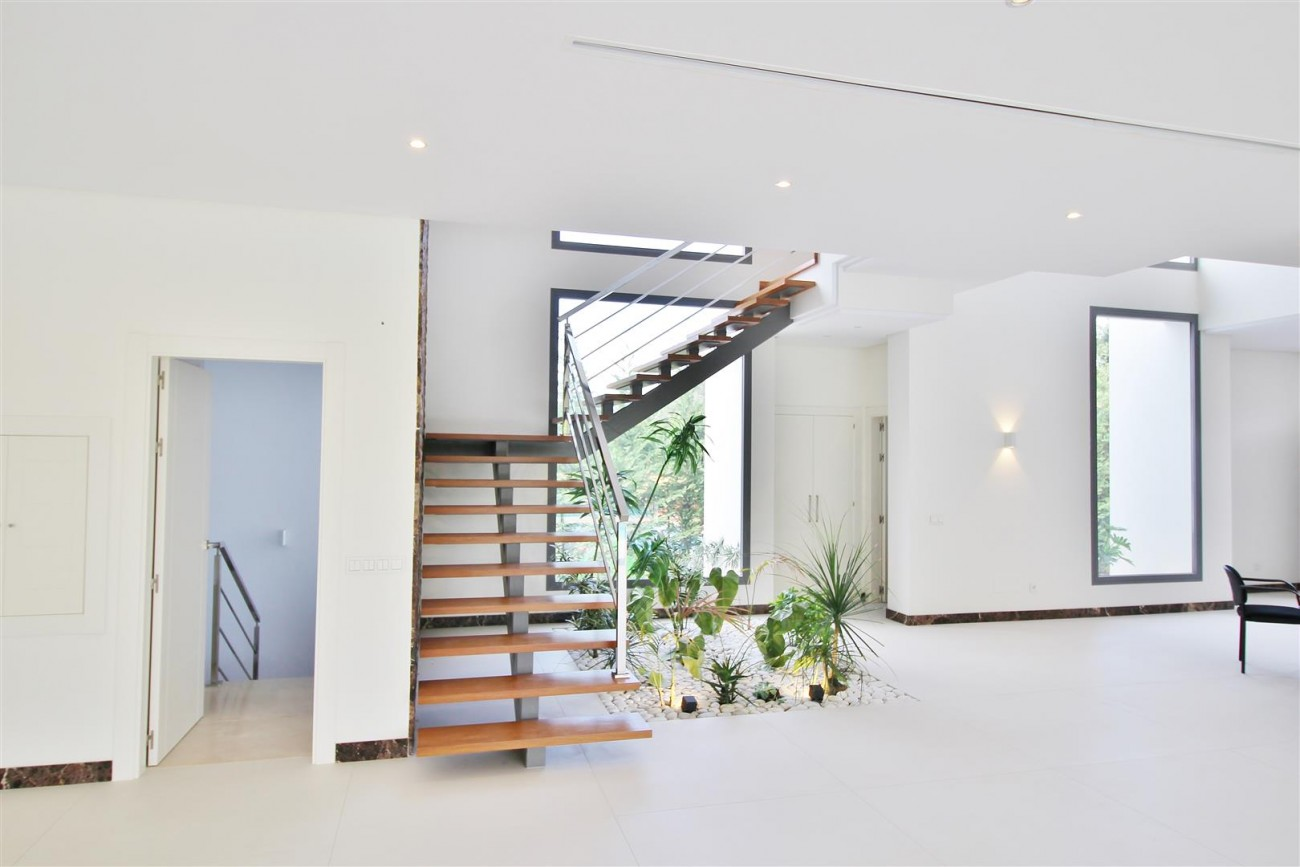 Contemporary Beachside Villa for sale Marbella Spain  (10) (Large)