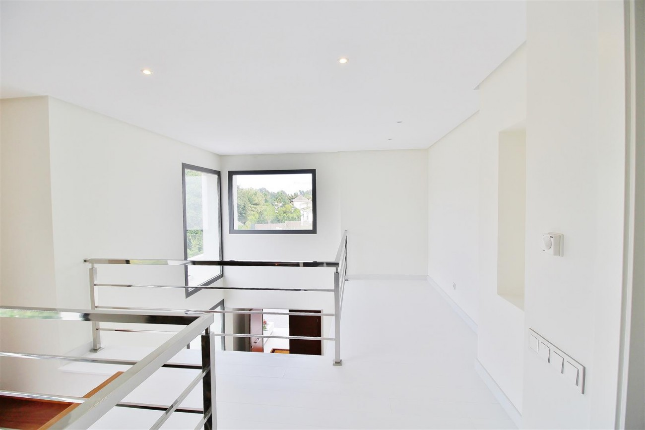 Contemporary Beachside Villa for sale Marbella Spain  (17) (Large)