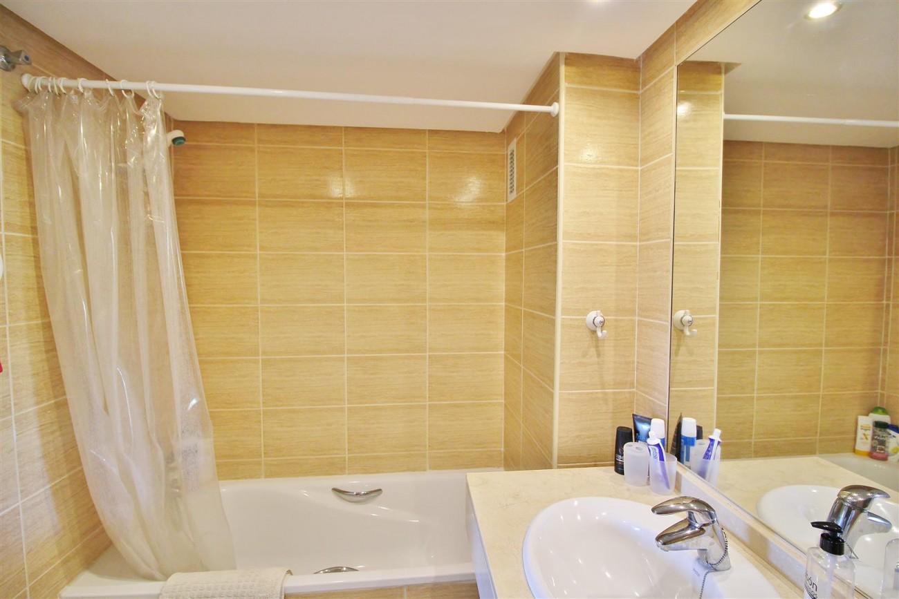 Nice Apartment for sale Nueva Andalucia Marbella Spain (12) (Large)