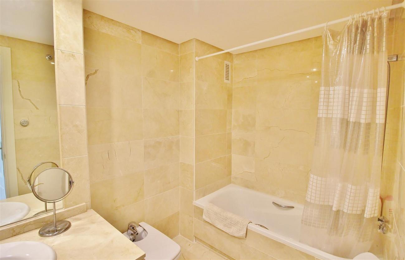 Nice Apartment for sale Nueva Andalucia Marbella Spain (14) (Large)