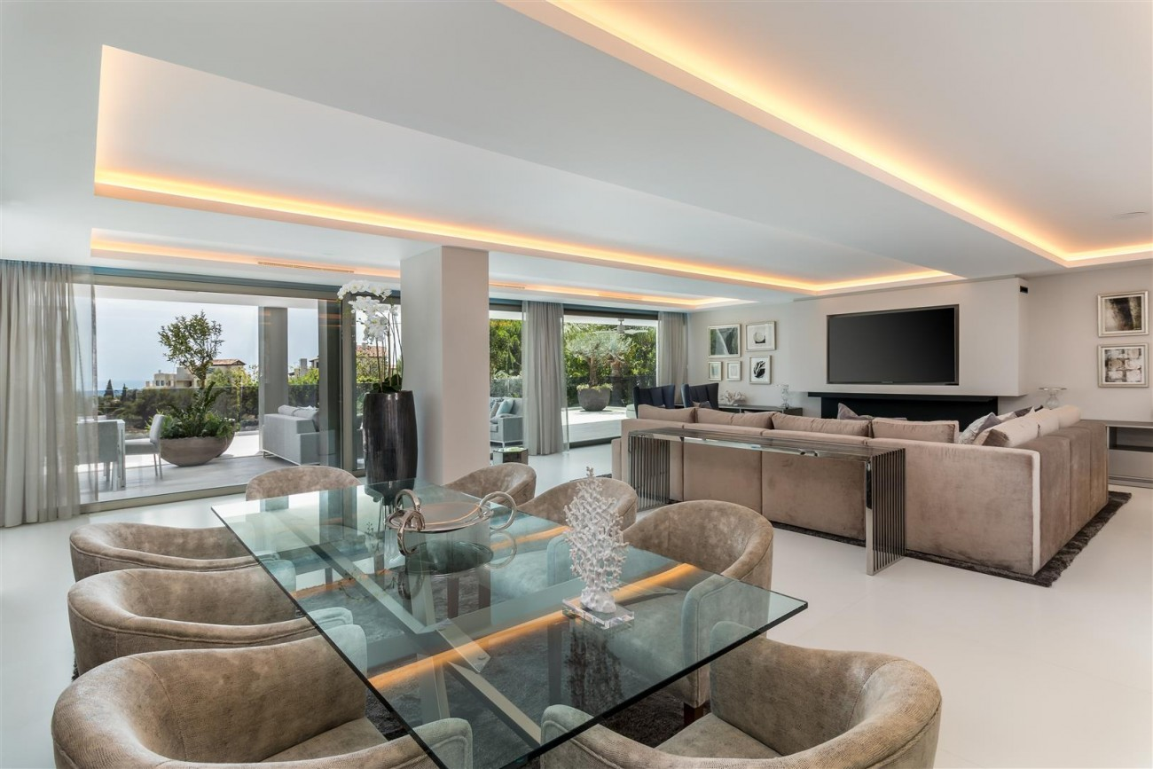 Contemporary Mansion for sale Marbella Golden Mile Spain (17) (Large)