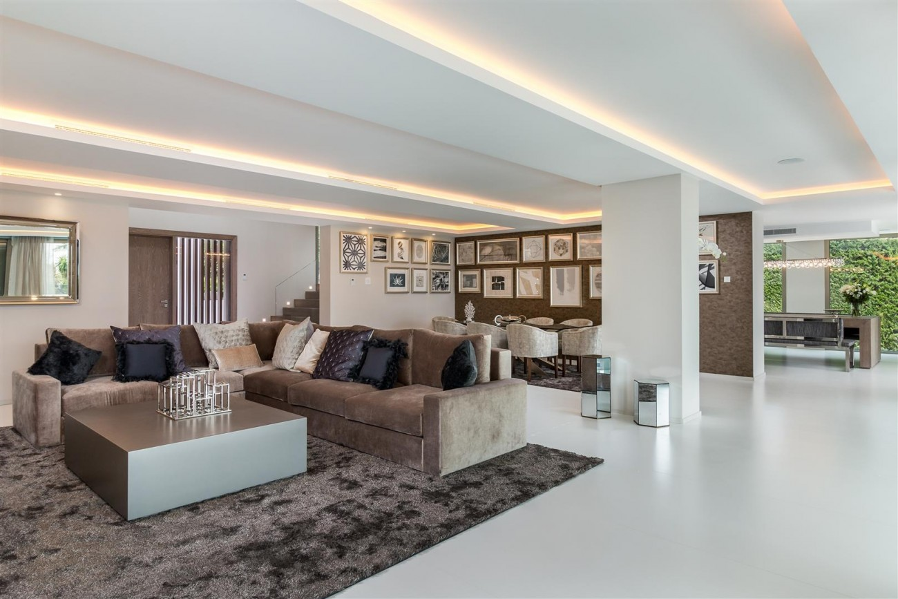 Contemporary Mansion for sale Marbella Golden Mile Spain (18) (Large)