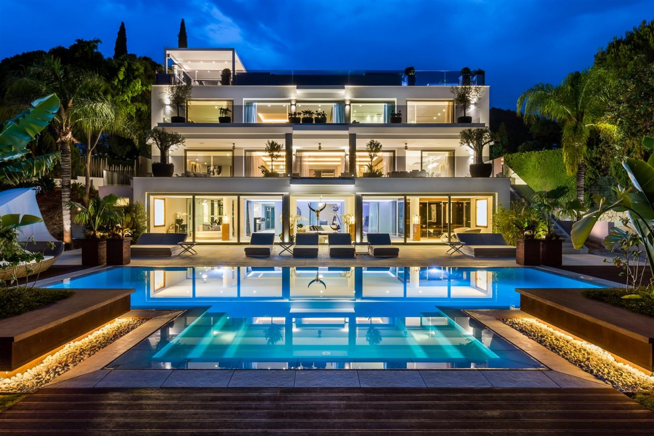 Contemporary Mansion for sale Marbella Golden Mile Spain (27) (Large)