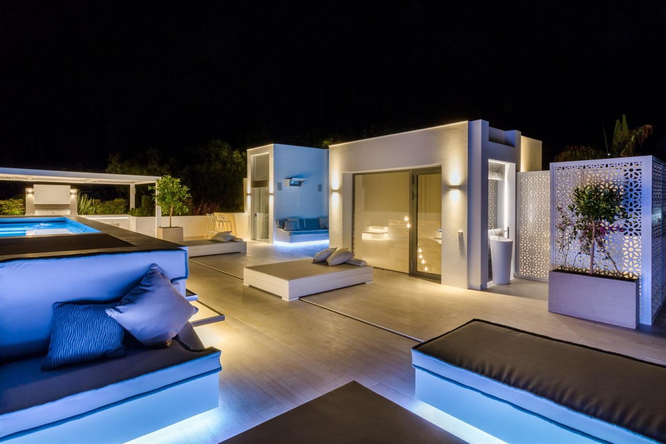 Contemporary Mansion for sale Marbella Golden Mile Spain (31) (Large)