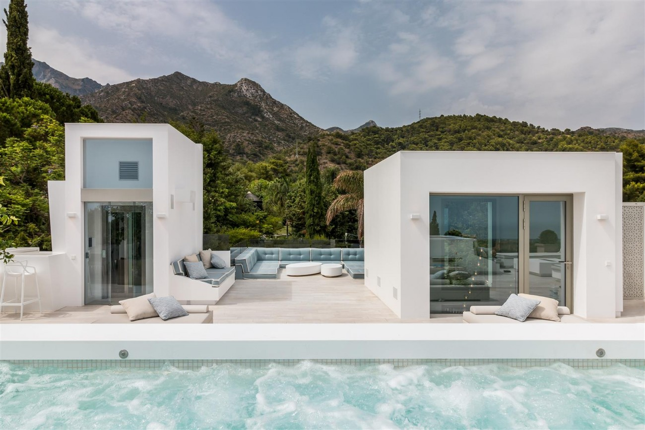 Contemporary Mansion for sale Marbella Golden Mile Spain (32) (Large)