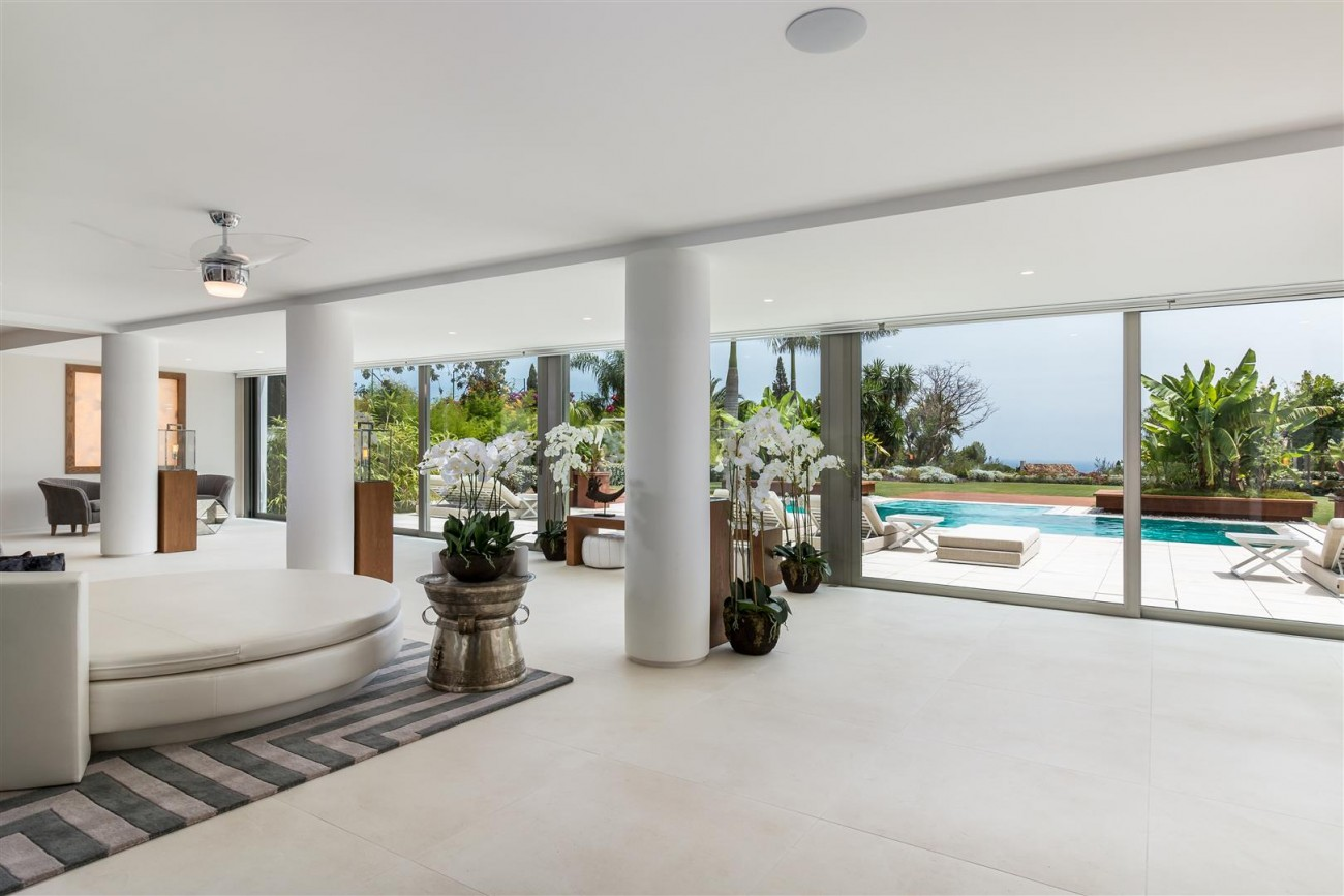 Contemporary Mansion for sale Marbella Golden Mile Spain (33) (Large)