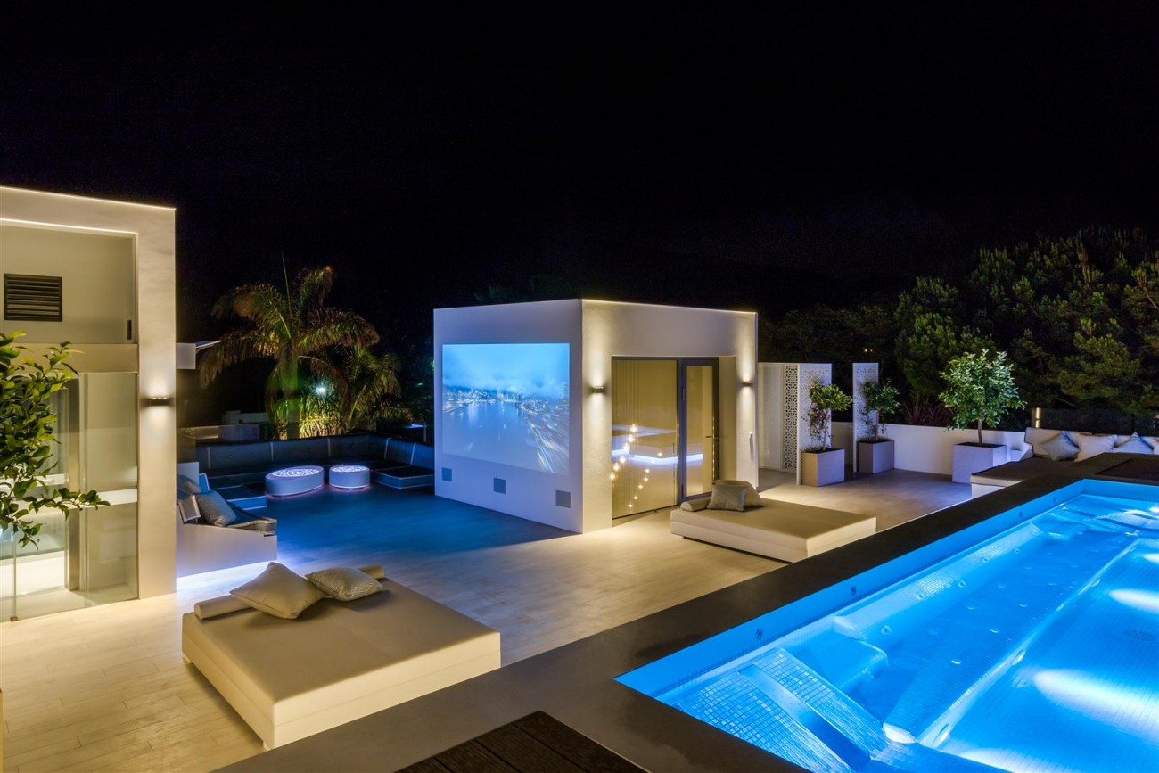 Contemporary Mansion for sale Marbella Golden Mile Spain (37) (Large)
