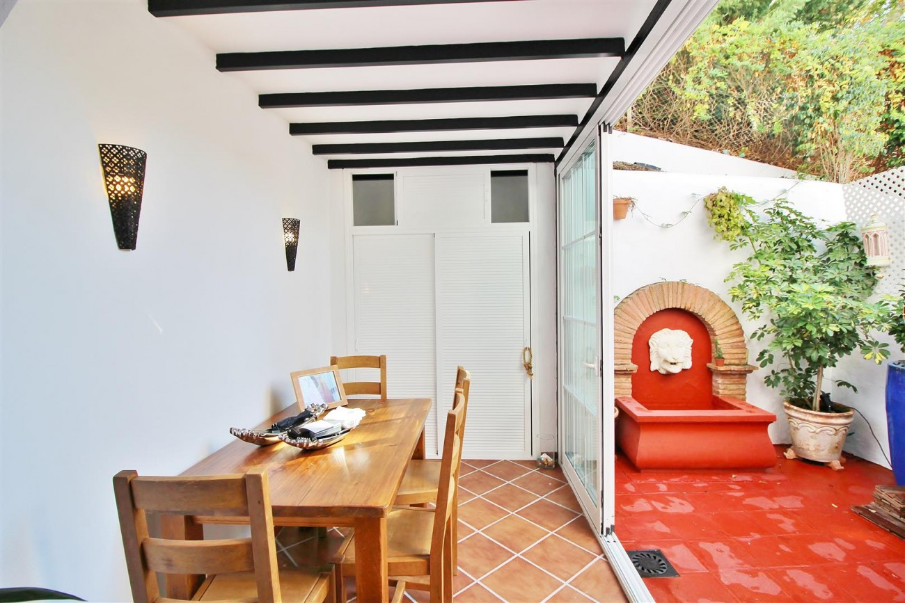 Beautiful townhouse for sale Lomas de Marbella Club Pueblo Spain (17) (Large)
