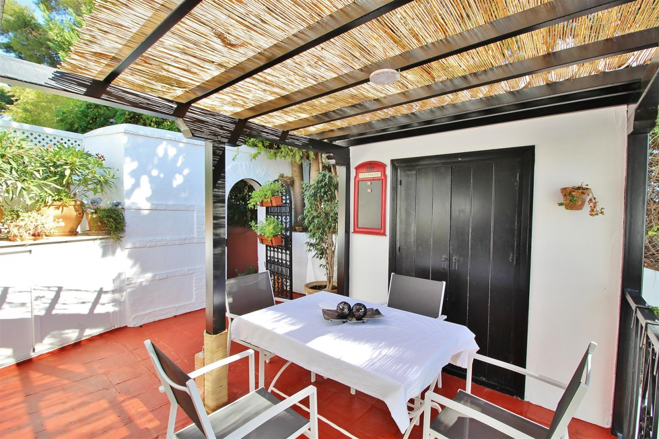 Beautiful townhouse for sale Lomas de Marbella Club Pueblo Spain (26) (Large)