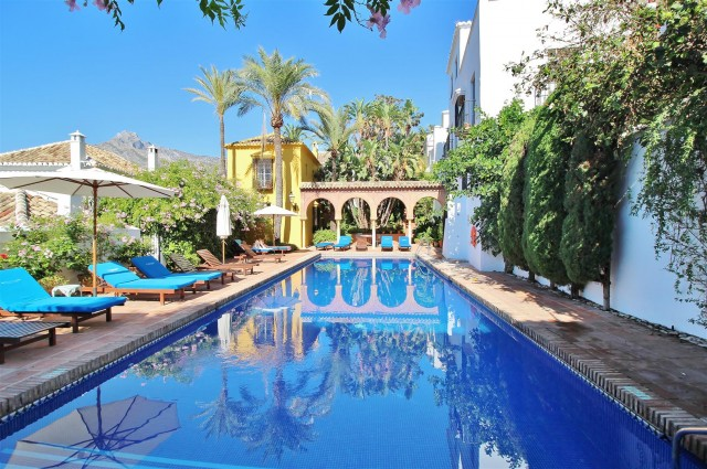 Townhouse for Sale - 395.000€ - Golden Mile, Costa del Sol - Ref: 5788