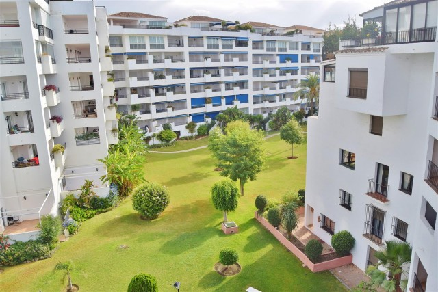 Apartment for Sale - 453.000€ - Puerto Banús, Costa del Sol - Ref: 5791