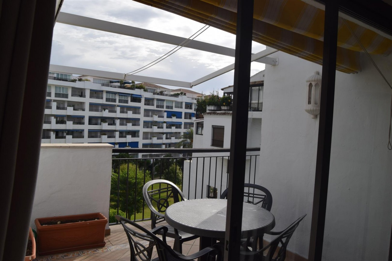 Apartment 3 bedrooms for sale Puerto Banus Marbella Spain (5) (Large)