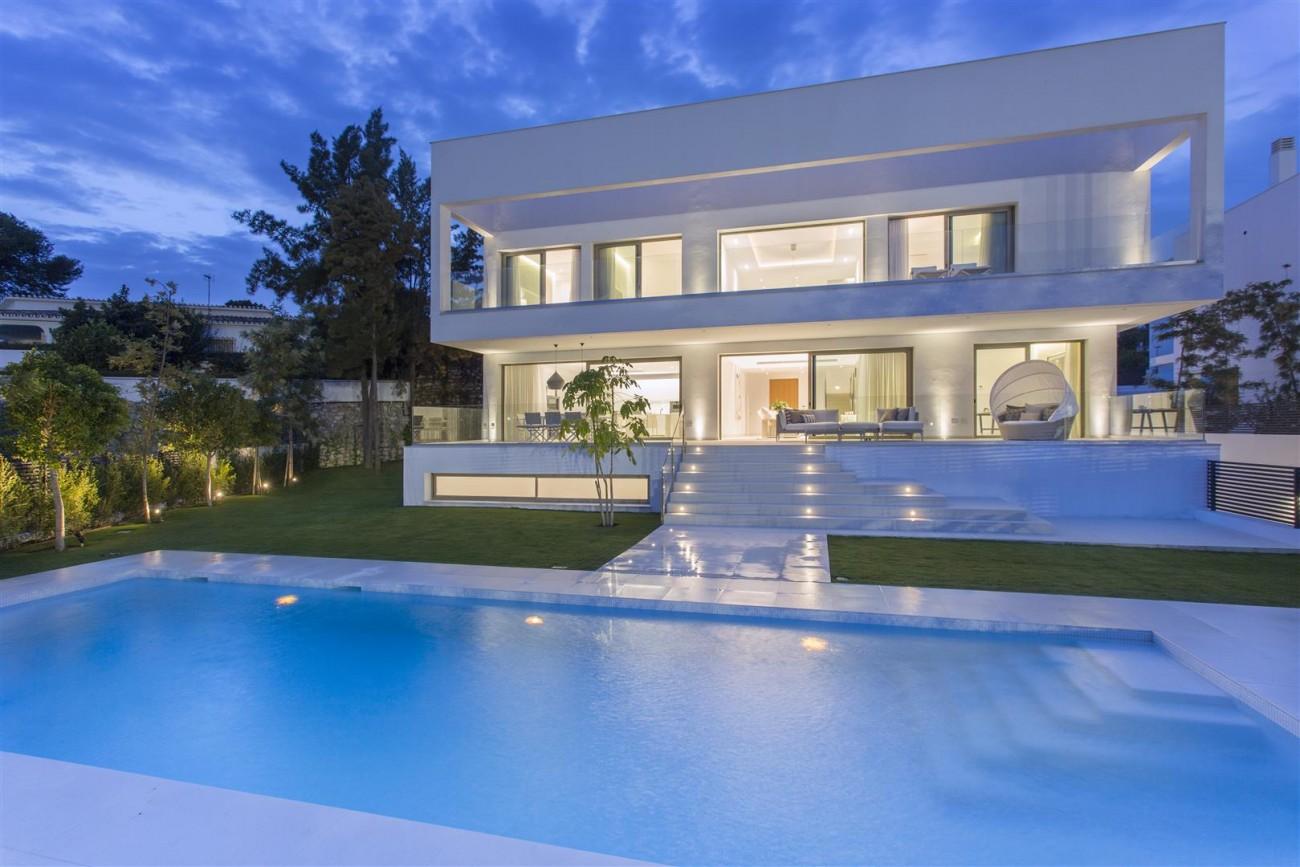 Contemporary Villas for Sale Marbella Estepona Spain (14) (Large)