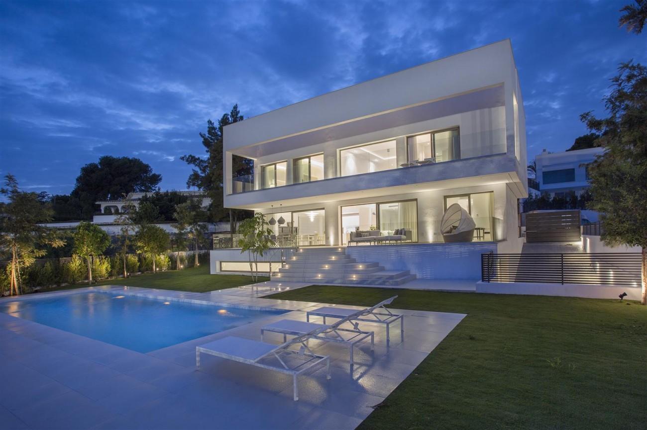 Contemporary Villas for Sale Marbella Estepona Spain (15) (Large)