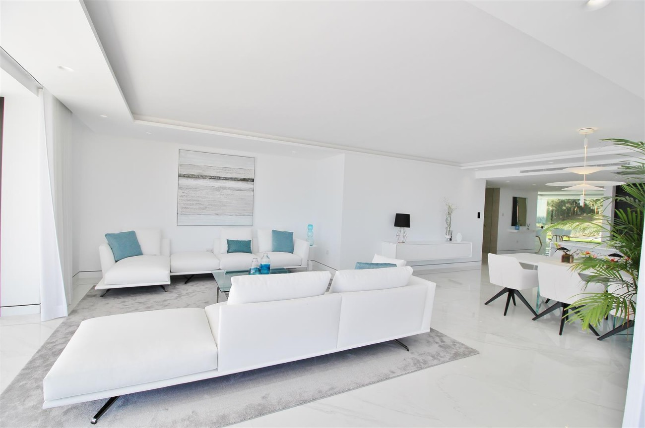 Beachfront luxury Apartments for sale Marbella Spain (14) (Large)