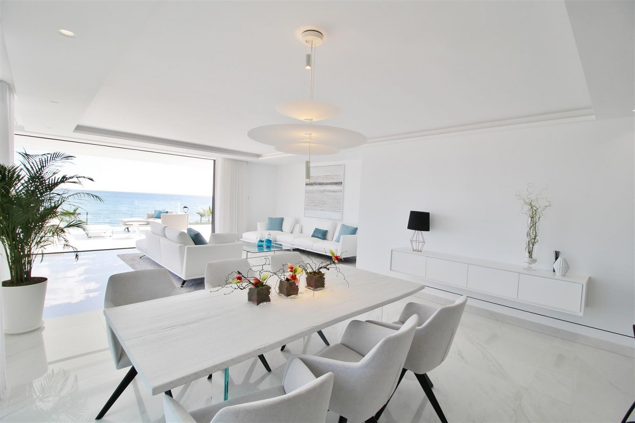 Beachfront luxury Apartments for sale Marbella Spain (16) (Large)
