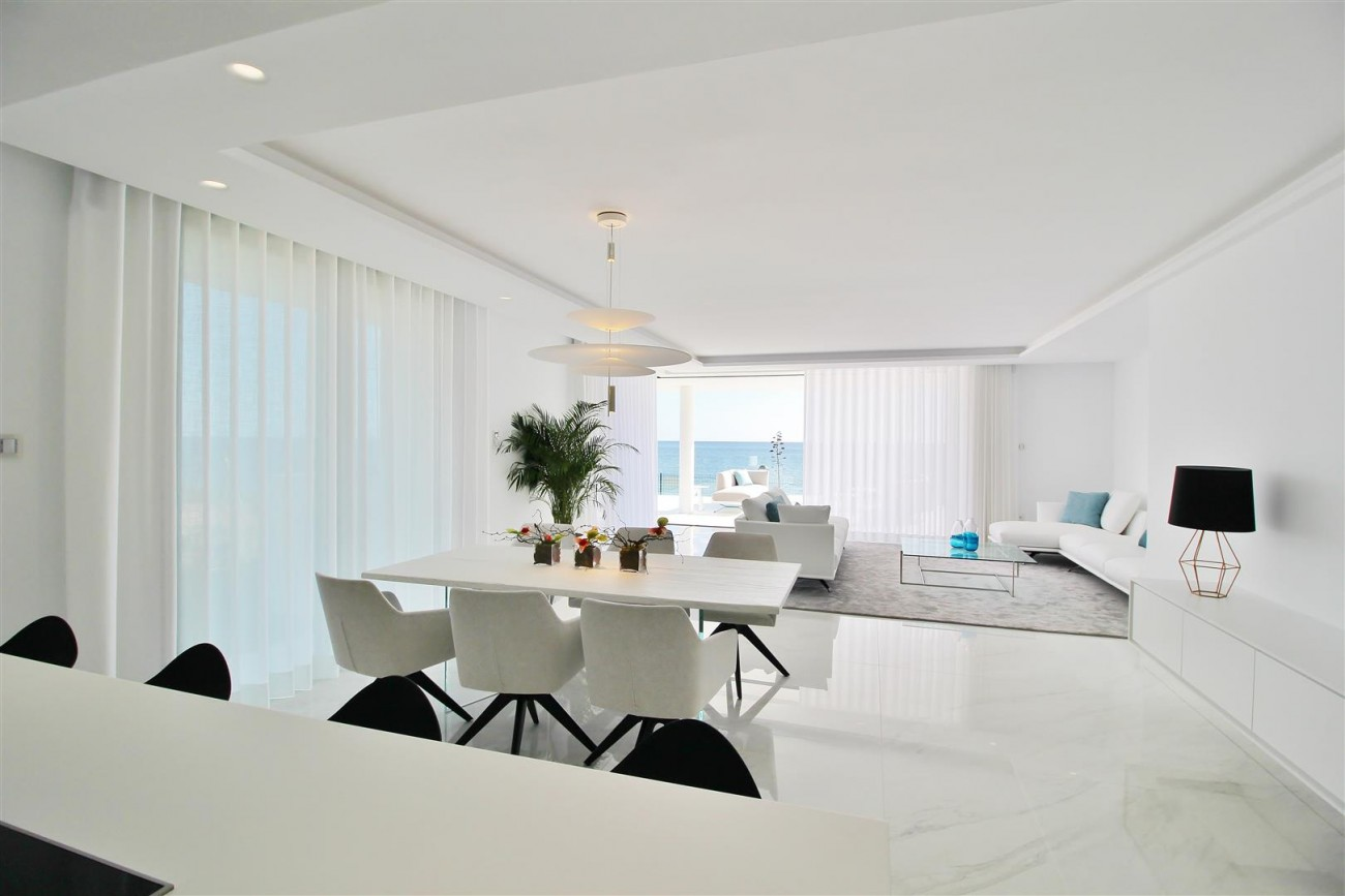 Beachfront luxury Apartments for sale Marbella Spain (20) (Large)