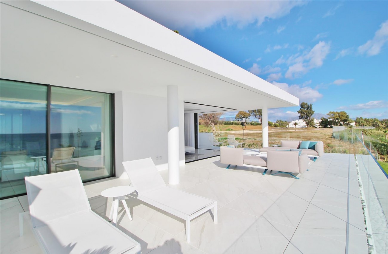 Beachfront luxury Apartments for sale Marbella Spain (22) (Large)