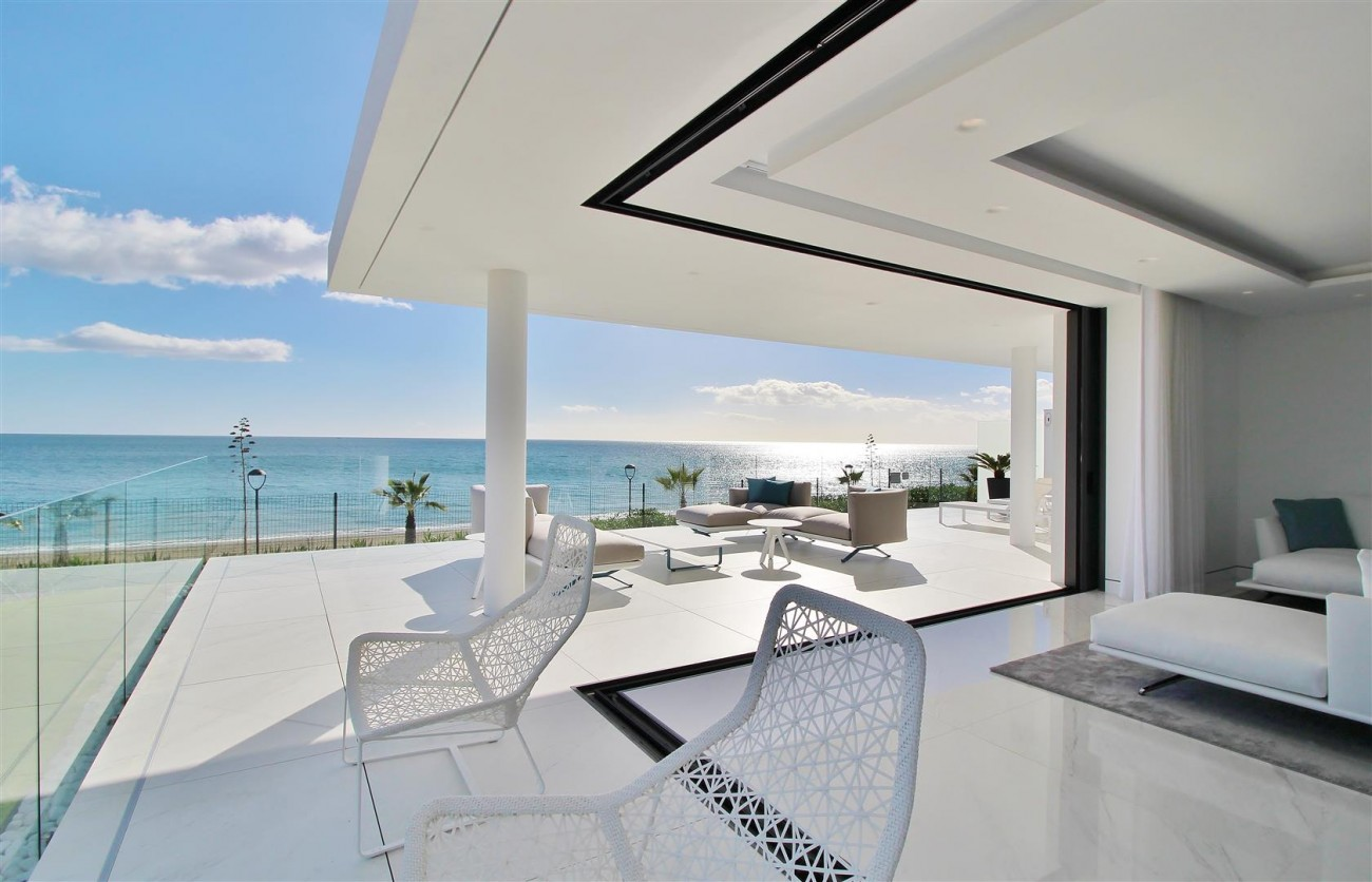 Beachfront luxury Apartments for sale Marbella Spain (23) (Large)