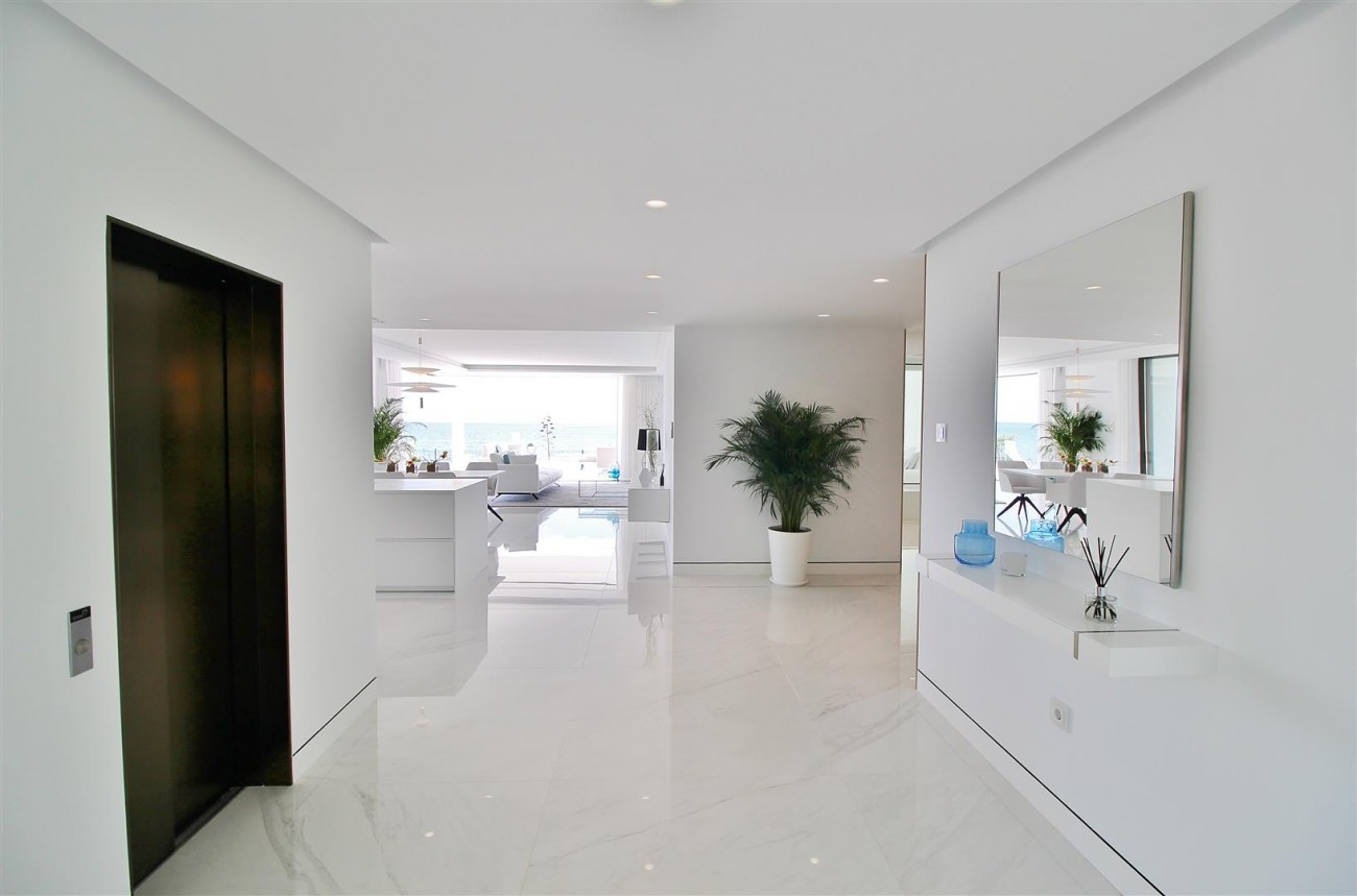 Beachfront luxury Apartments for sale Marbella Spain (25) (Large)