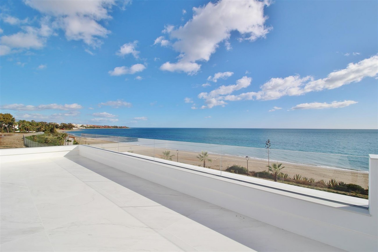Beachfront luxury Apartments for sale Marbella Spain (27) (Large)