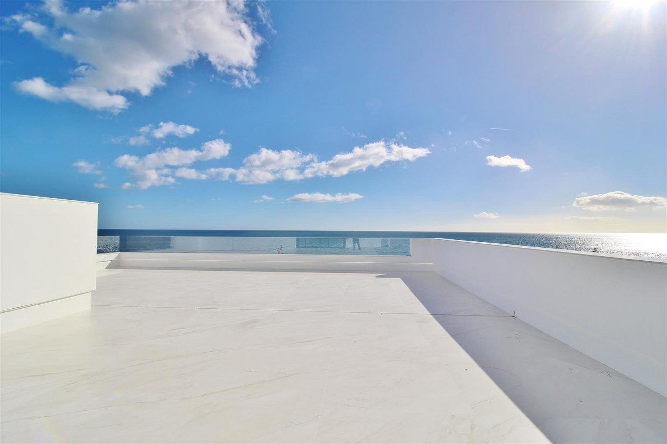 Beachfront luxury Apartments for sale Marbella Spain (28) (Large)