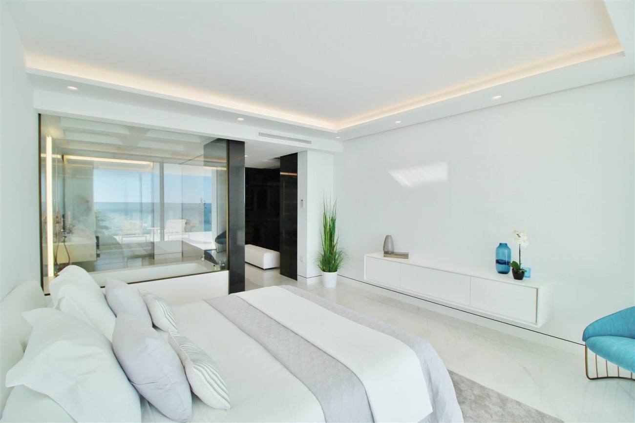 Beachfront luxury Apartments for sale Marbella Spain (Large)