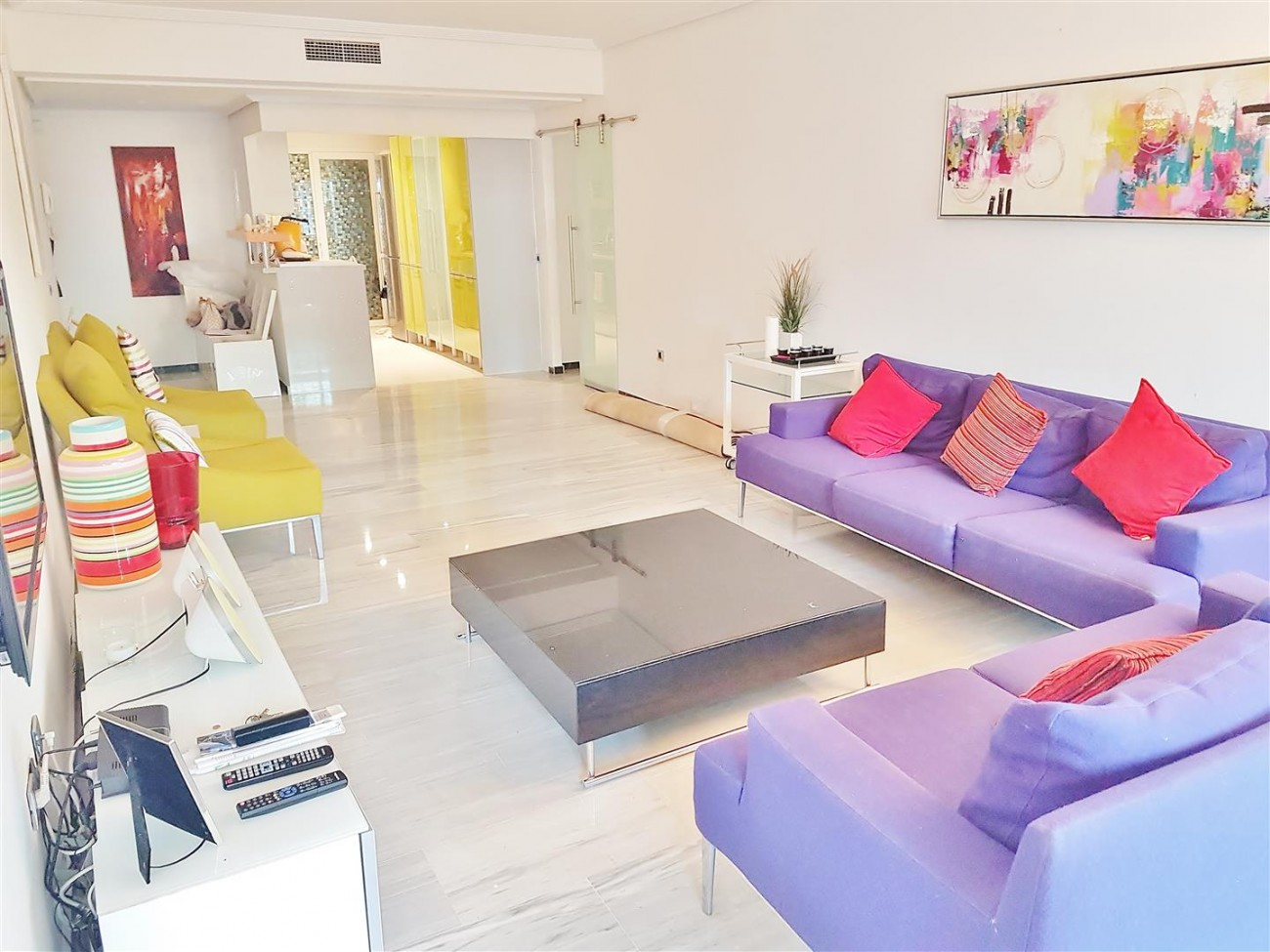 Beachside Apartment for sale Puerto Banus Marbella (14) (Large)